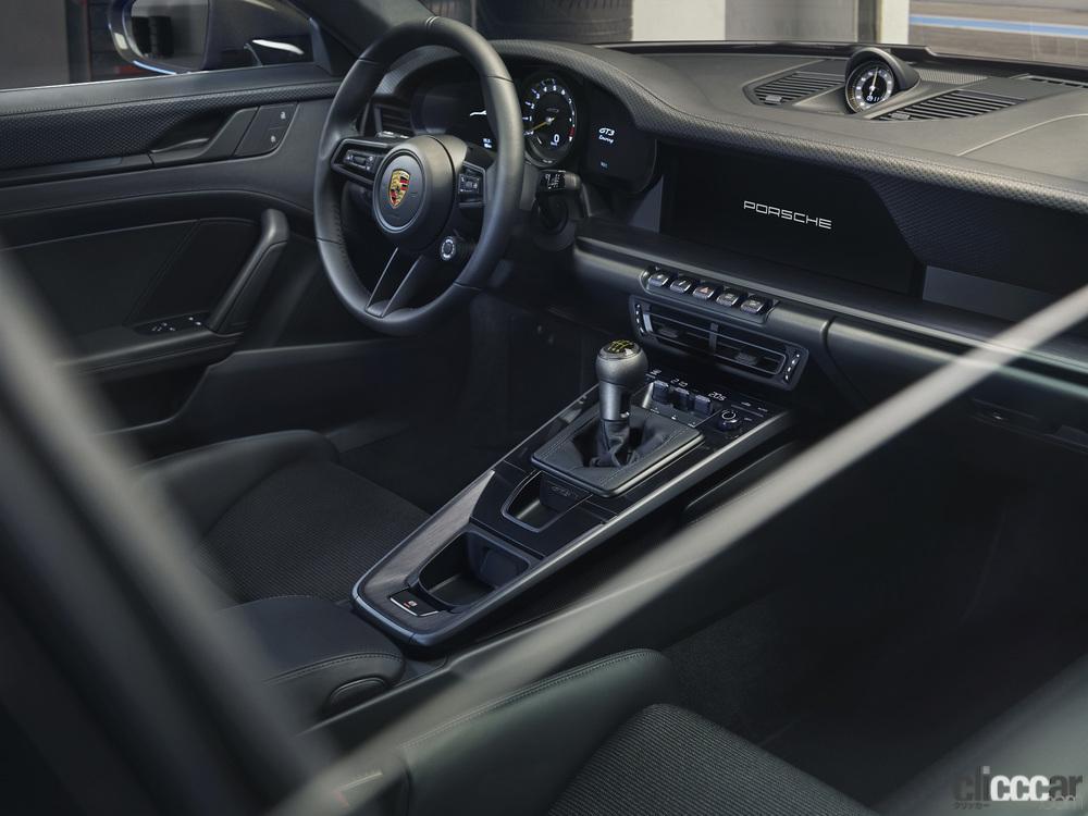 「ポルシェ911ファン待望の新型「911 GT3ツーリングパッケージ」の予約受注がスタート」の7枚目の画像