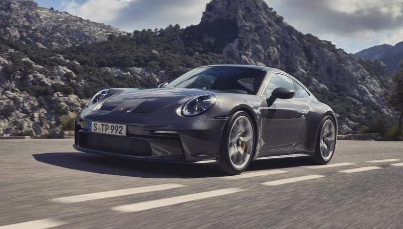 「ポルシェ911ファン待望の新型「911 GT3ツーリングパッケージ」の予約受注がスタート」の3枚目の画像