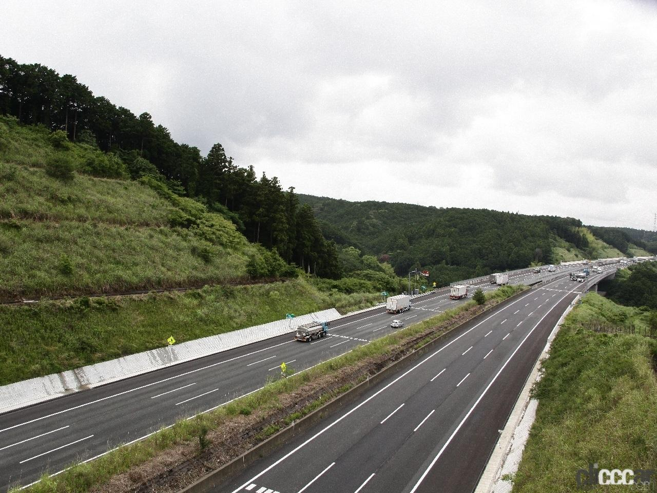 「日本の高速道路はたった4つ? 高速道路と自動車専用道路は違っていた!」の4枚目の画像