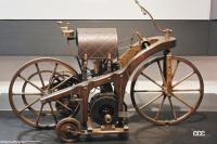 海外バイクメーカーの歩み概説:ダイムラーが発明した2輪車が進化しながら欧州と米国で発展【バイク用語辞典:バイクメーカーの歴史編】 - 1885年のリートワーゲン(ゴットリープ・ダイムラー発明)