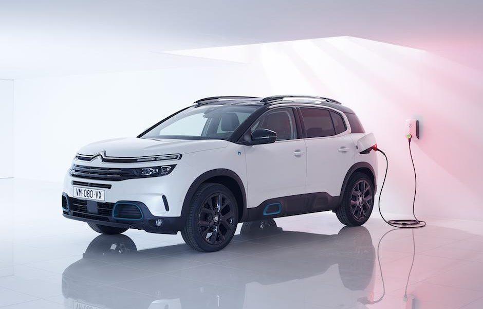 「シトロエン初のPHEVモデル「C5 エアクロス SUV プラグインハイブリッド」は、モーター走行のみで65kmの走行が可能」の9枚目の画像