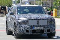 BMW新型フルサイズ・クロスオーバーSUV「X8/XM」、アグレッシブな排気口は本物か!? - BMW X8 2