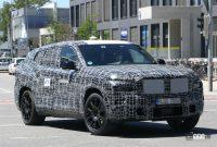 BMW新型フルサイズ・クロスオーバーSUV「X8/XM」、アグレッシブな排気口は本物か!? - BMW X8 4