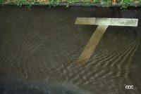 運転中にゲリラ豪雨! 大雨で起こる大規模災害でクルマの水没リスクを避ける対処法とは? - Car flooding_03
