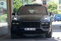 ポルシェ カイエン改良型、最新世代インフォテイメントディスプレイをさらに大型化へ! - Porsche Cayenne Facelift 1