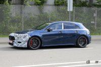 セグメントキングはオレだ! メルセデスAMG「A45」改良型、ヘッドライトはCクラス風デザインに - Spy shot of secretly tested future car