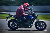自由度MAXのピュアスポーツ!ヤマハMT-07 ABSは「バイクらしさ」を体で感じるハンドリングマシン - '21YamahaMT-0238