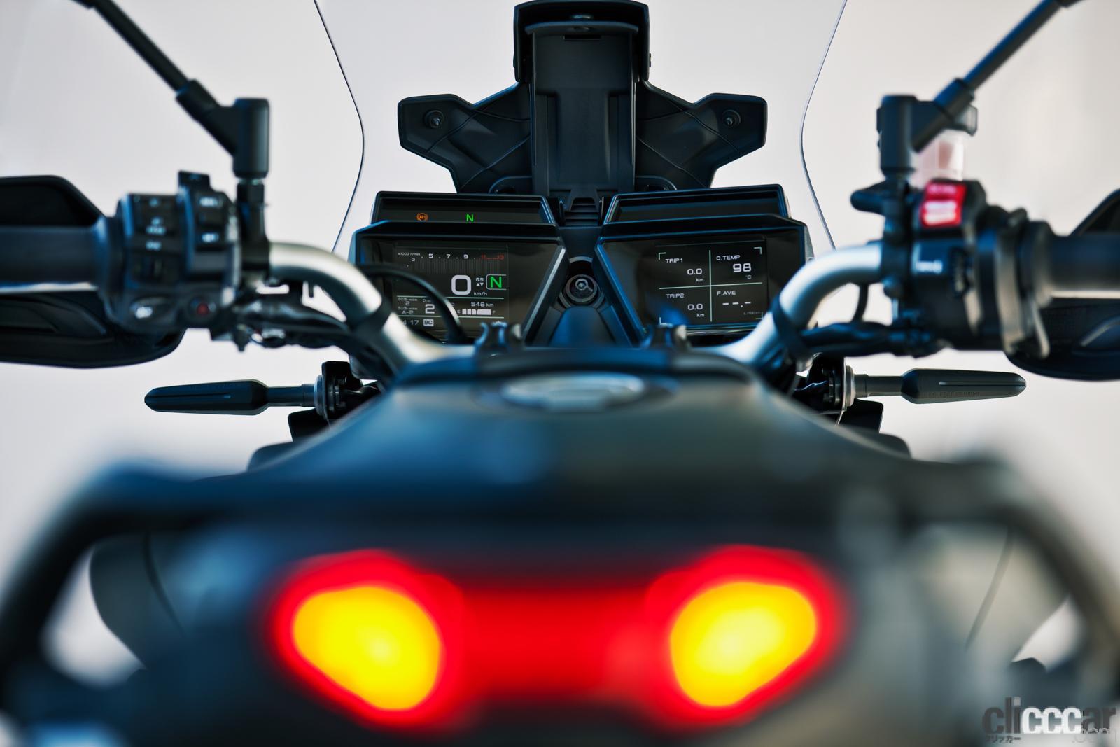 「何キロでも走れる超快適仕様! ヤマハTRACER9 GT ABSは電子制御の恩恵をフルに体感できる高性能スポーツツアラー」の12枚目の画像