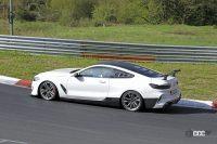 700馬力超え?BMW M8最強モデル「CSL」開発車両がニュル高速テスト開始! - Spy shot of secretly tested future car