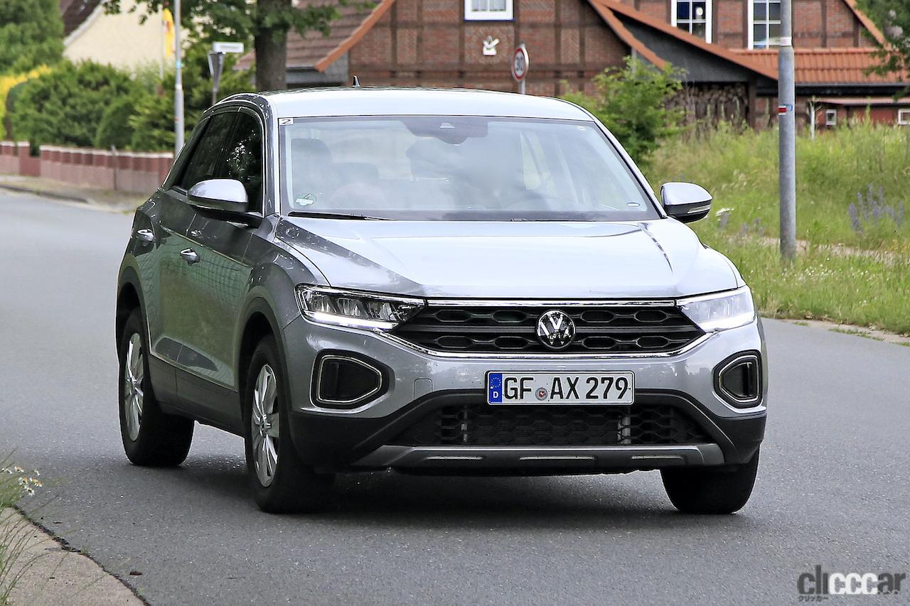 「フロントフェイスを刷新!VW T-Roc改良型プロトタイプをキャッチ」の2枚目の画像