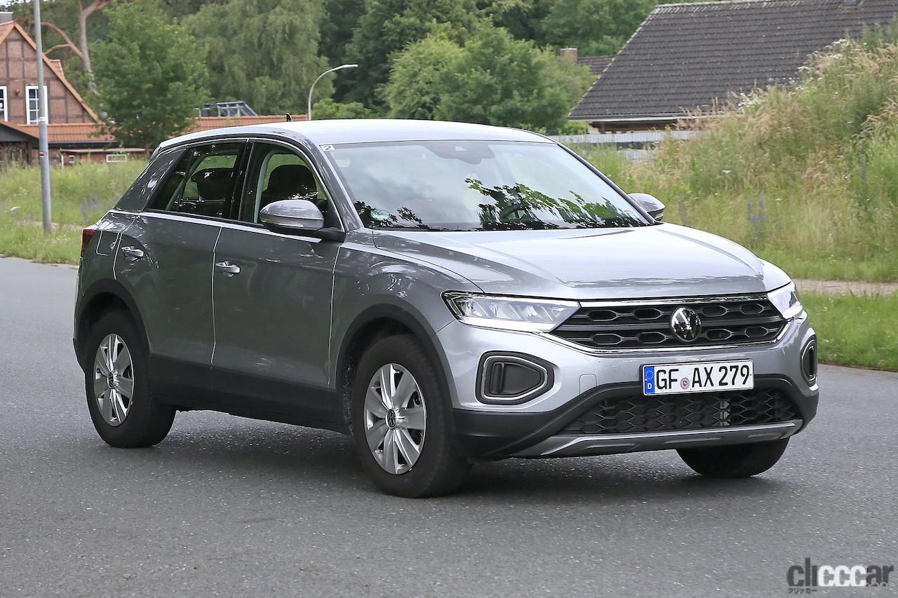 「フロントフェイスを刷新!VW T-Roc改良型プロトタイプをキャッチ」の4枚目の画像