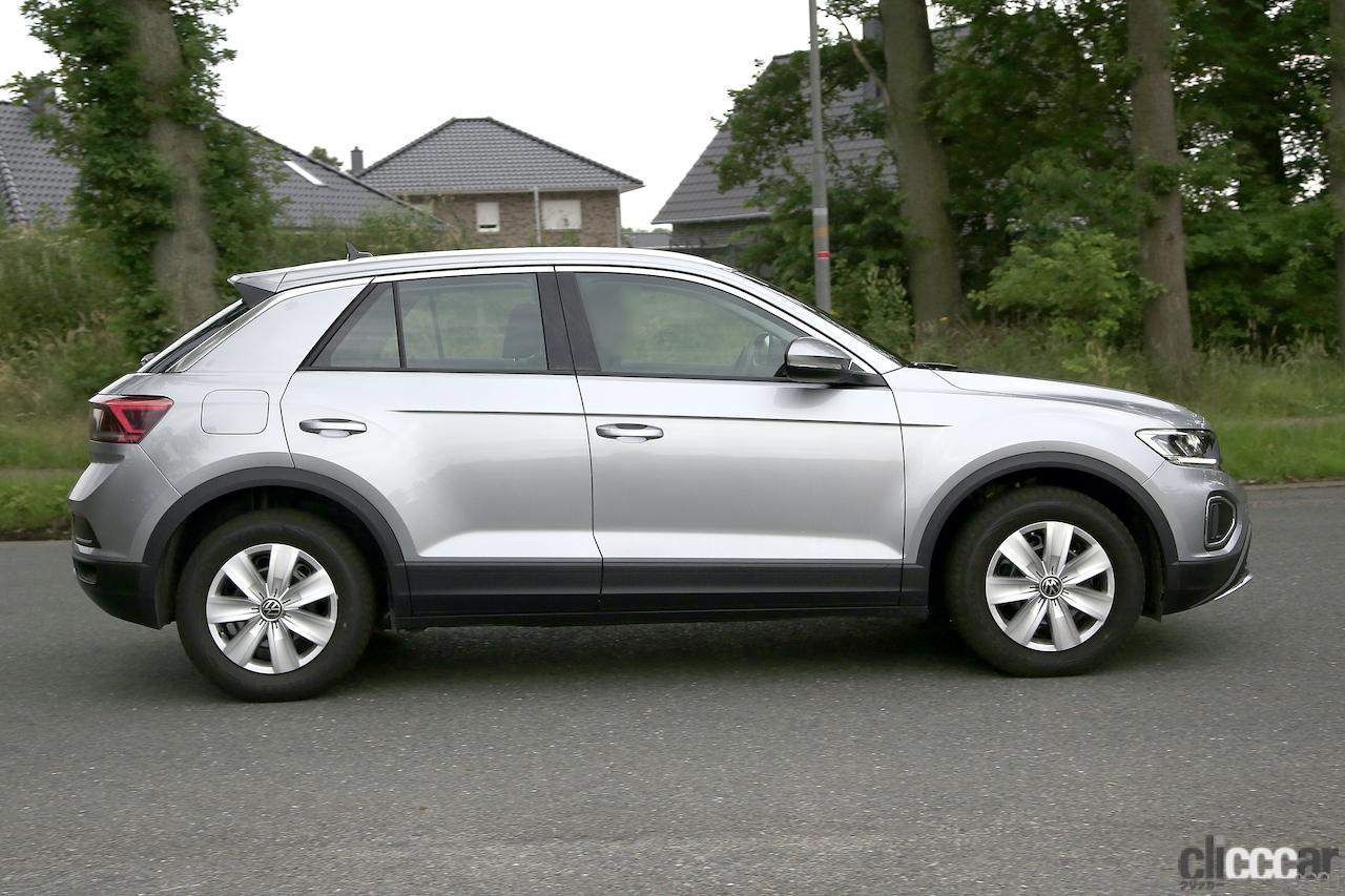 「フロントフェイスを刷新!VW T-Roc改良型プロトタイプをキャッチ」の6枚目の画像