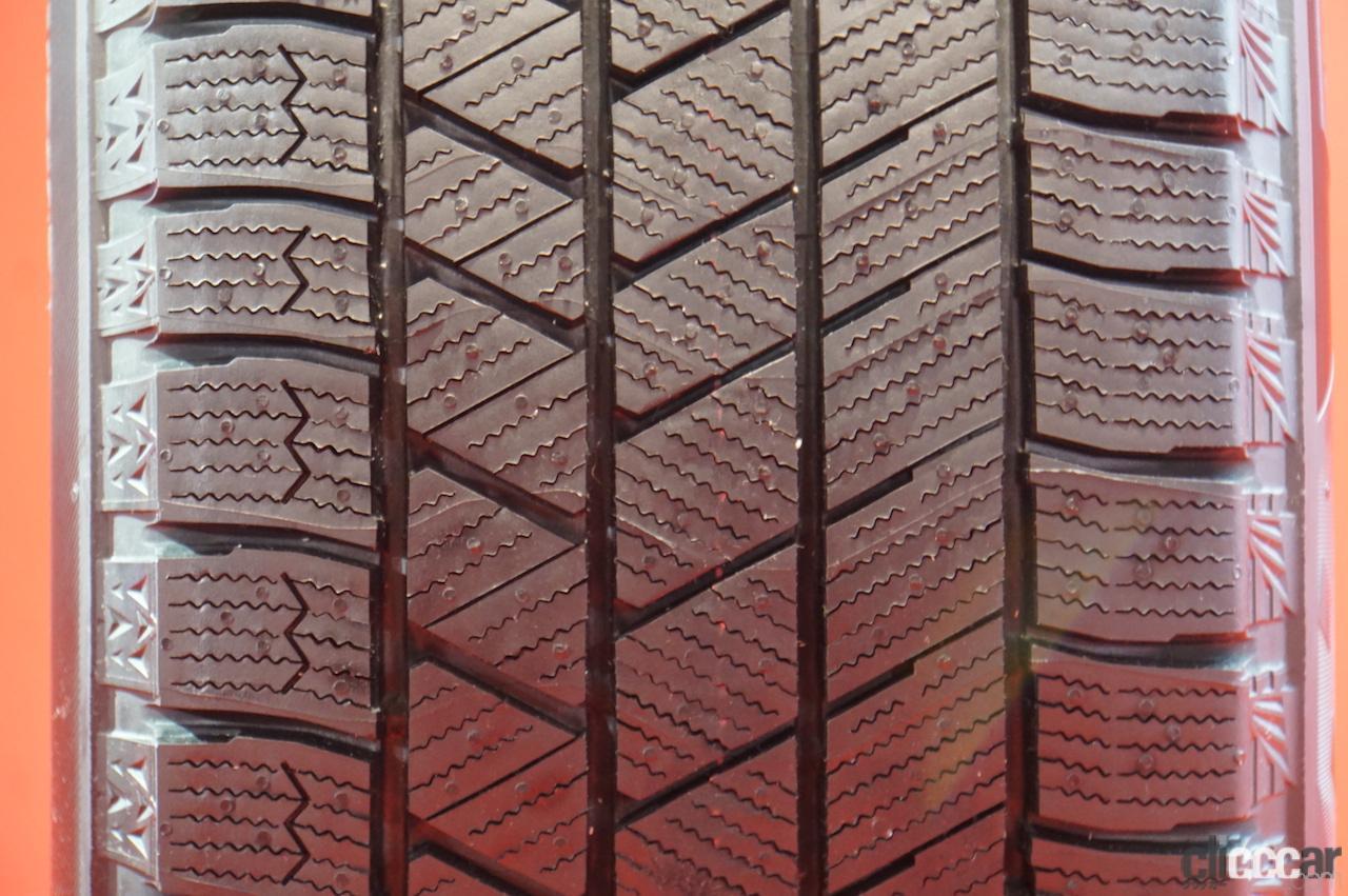 「ブリヂストン「ブリザックVRX3」が新登場。氷上性能が120%向上したスタッドレスタイヤ」の4枚目の画像