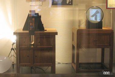 テレビ伝送実験装置の再現展示(引用:NHK放送博物館)