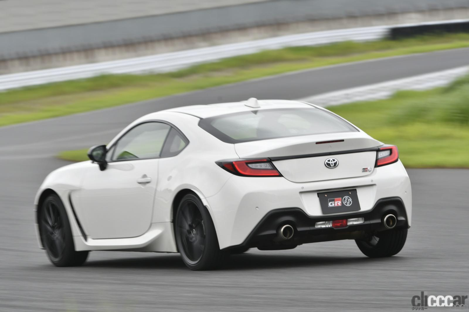 「GR86とBRZどっちが速い論争に結論!? B級ドライバー的にはBRZのATが一番速く走れるパッケージだ」の1枚目の画像
