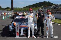 優勝した STANLEY NSX-GTのドライバーと監督