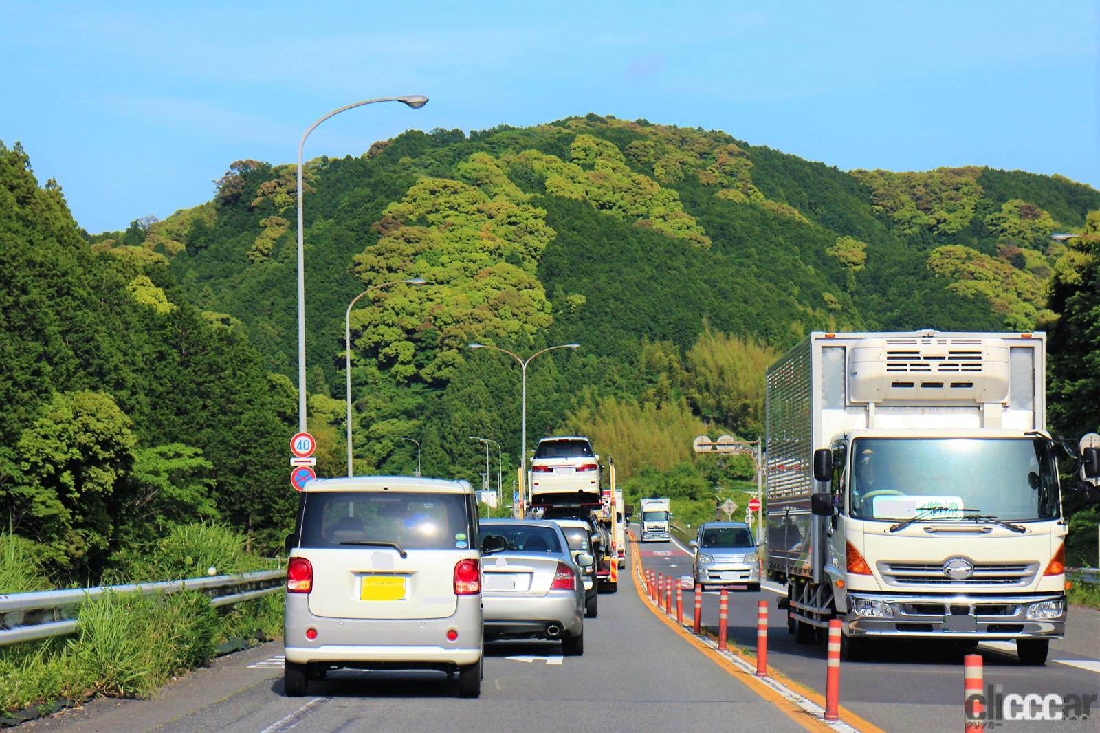 夏のドライブは熱中症に注意!渋滞などで起こりやすい「かくれ脱水」とは?