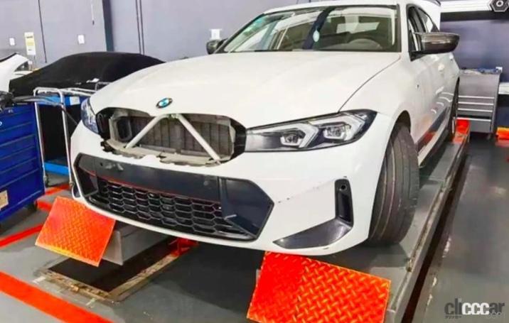 「BMW 3シリーズ改良型の画像が流出か!? 刷新されたフロントマスクを確認」の1枚目の画像