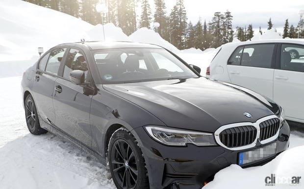 「BMW 3シリーズ改良型の画像が流出か!? 刷新されたフロントマスクを確認」の3枚目の画像