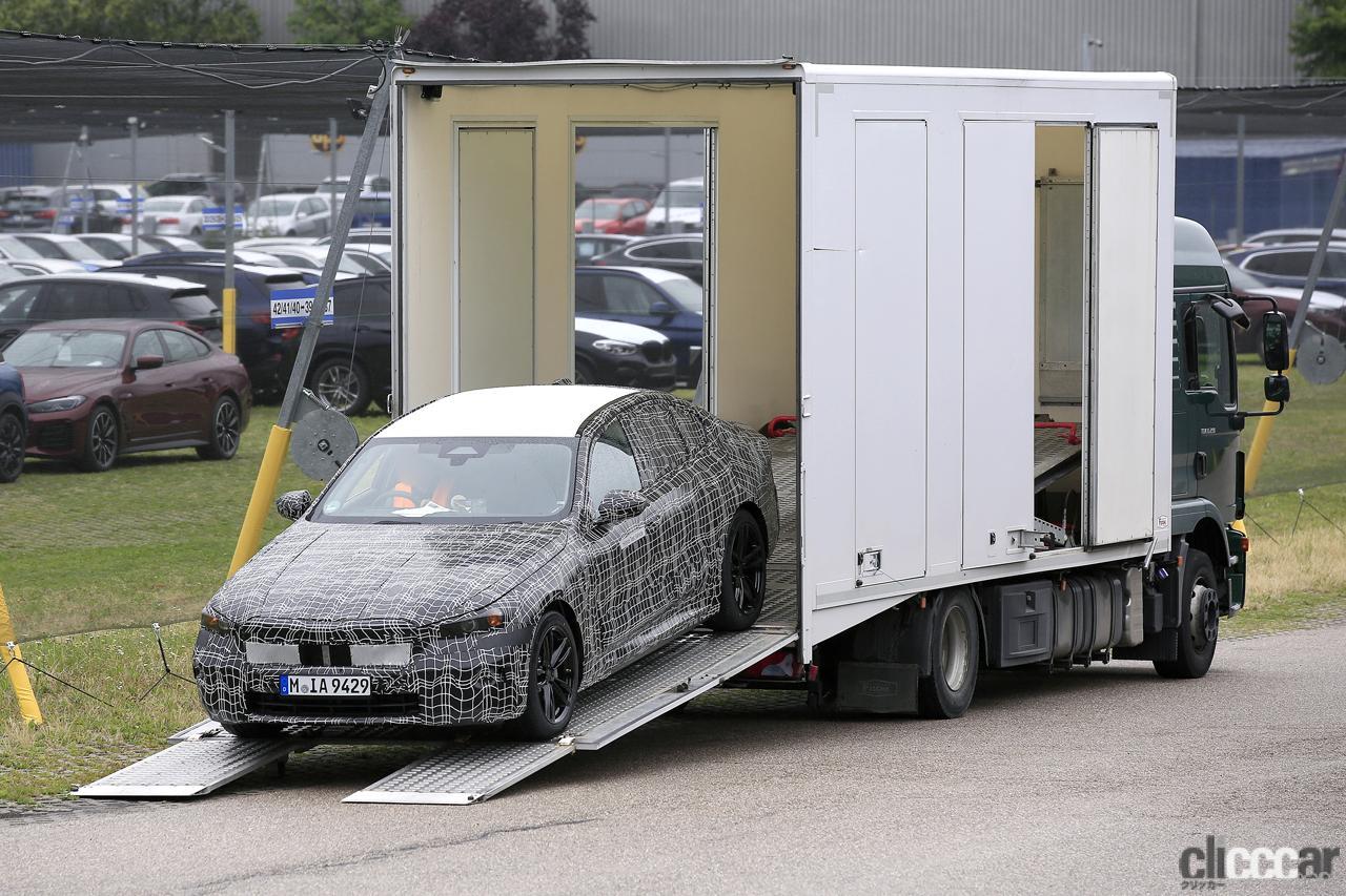 BMW 5シリーズのEV版「i5」市販型プロトタイプを単独スクープ!