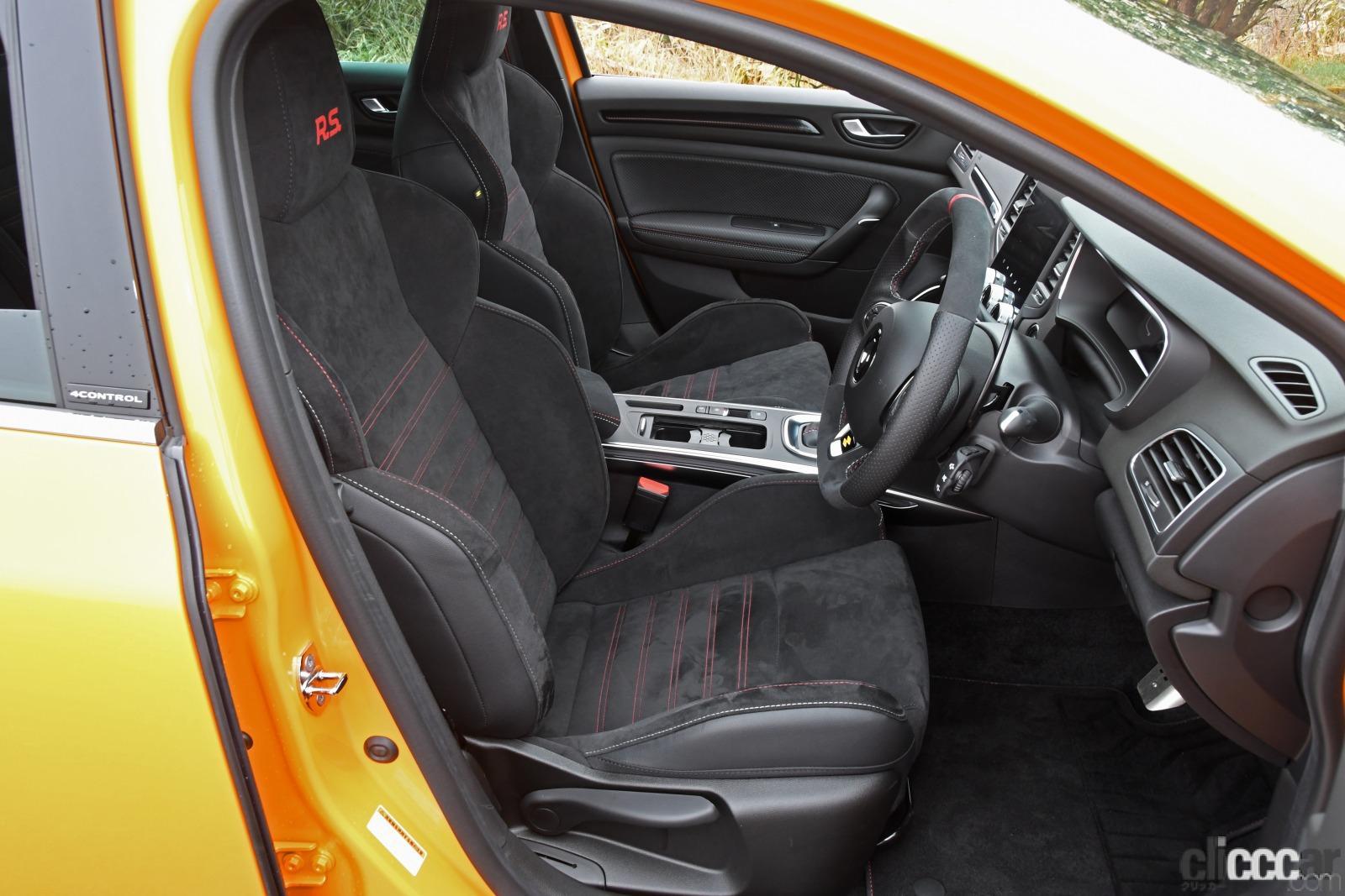 「ルノー・メガーヌR.S.は500万円を切る価格で手に入る高性能スポーツカーだった!」の7枚目の画像