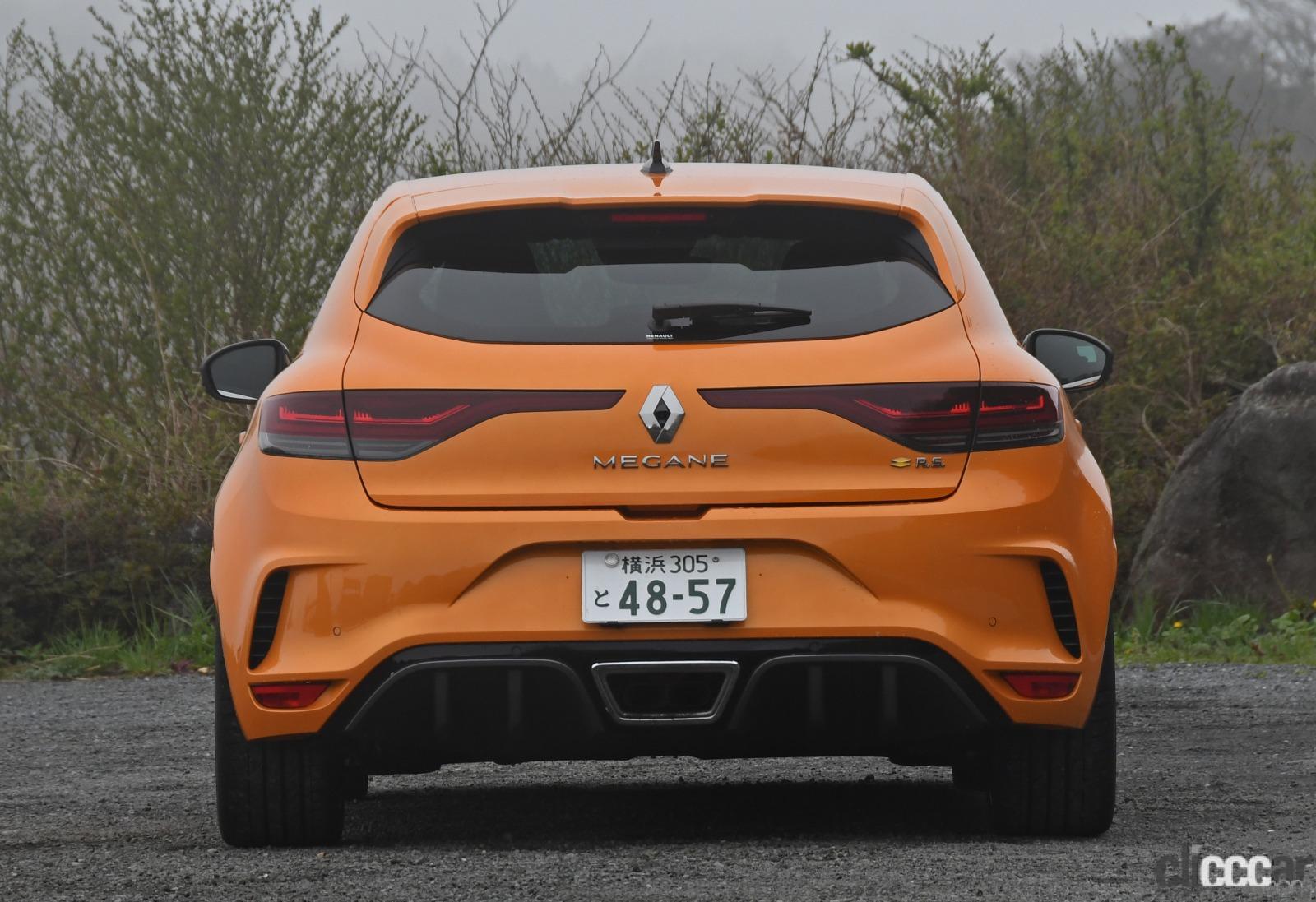 「ルノー・メガーヌR.S.は500万円を切る価格で手に入る高性能スポーツカーだった!」の4枚目の画像
