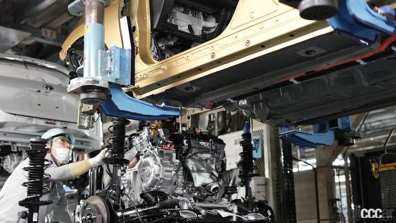 「新型アクアも「東北復興の星」の想いを胸に、トヨタ自動車東日本の岩手工場でラインオフ」の1枚目の画像