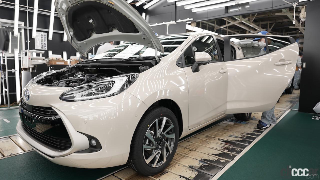 新型アクアも「東北復興の星」の想いを胸に、トヨタ自動車東日本の岩手工場でラインオフ