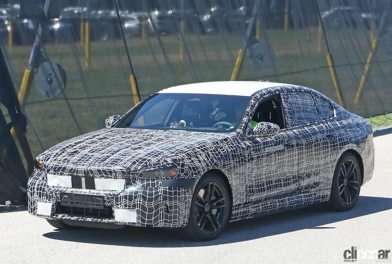 BMW 5シリーズ次期型、スリムグリルを採用か?電動化進み内燃エンジンはどうなる!?