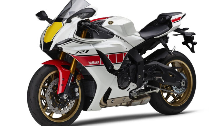 伝統の「白赤ストロボ」も復刻!ヤマハの1000ccスーパースポーツ「TZF-R1M/R1」に2022年モデルが登場