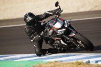 名門トライアンフ、MotoGPの登竜門となる「Moto2」向け3気筒エンジンを継続供給 - 2019_StreetTripleRS_01