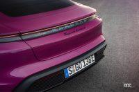 新モデルイヤーのポルシェ・タイカン、タイカンクロスツーリスモが一部改良。「リモートパークアシスト」や多彩なボディカラープログラムに対応 - Porsche_taycan_20210830_4