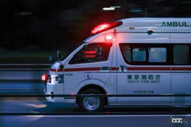現場に向かう救急車