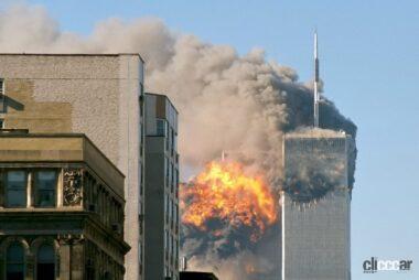 旅客機が世界貿易センターに激突炎上する瞬間(C)Creative Commons