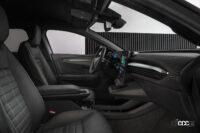 「ルノーの新型「メガーヌ E-Tech エレクトリック」の航続距離は約470km。薄型バッテリーによる理想的なドラポジと室内の広さが魅力!」の11枚目の画像ギャラリーへのリンク
