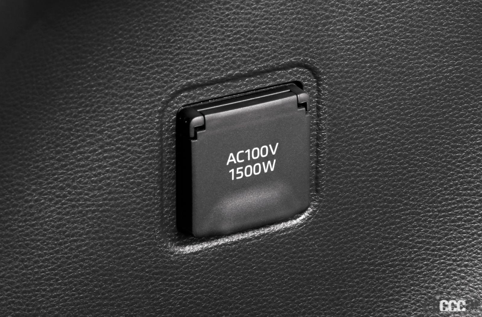「カローラ クロスは想像以上のかっこよさ!カローラシリーズ初のSUVの内外装をチェック!」の10枚目の画像