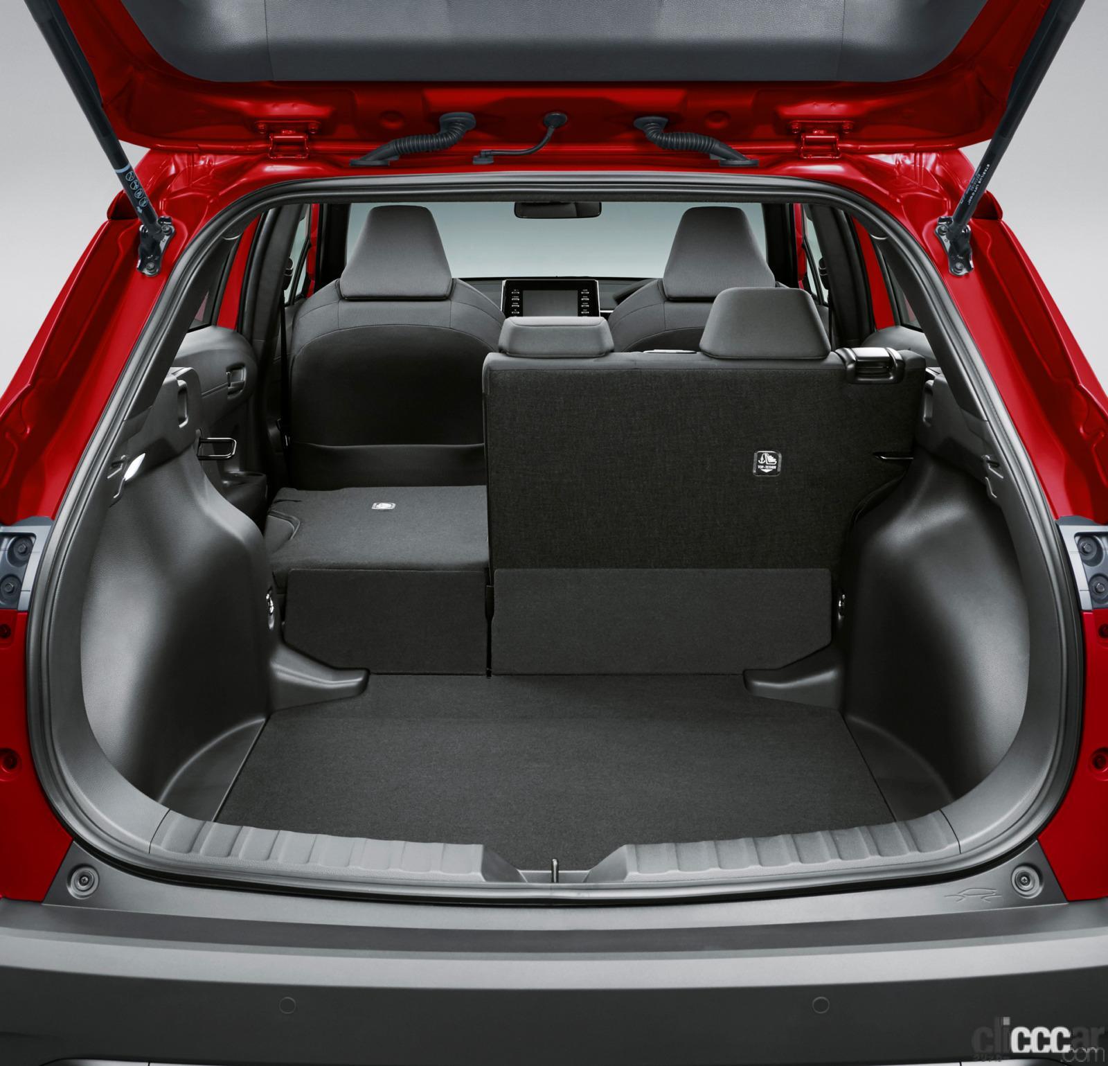 「トヨタ新型カローラ クロス発売。ボディサイズやラゲッジスペースはC-HRとどう違う?」の7枚目の画像