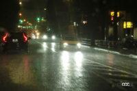 雨天下の「ハイドロプレーニング現象」を起こさないためにはどうすればいい? - raining-road