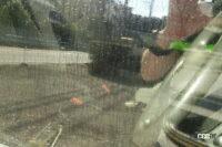 サイドガラスに着く水垢・油膜をクリアにする方法、いったいどうすればいい? - mottled pattern with reproduce raining from outside