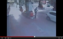 ガソリンスタンドでの悲劇【衝撃映像】 のパーマリンク