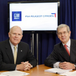General Motors Chairman and CEO Dan Akerson (left) with PSA Peugeot Citroën Chairman of the Managing Board Philippe Varin