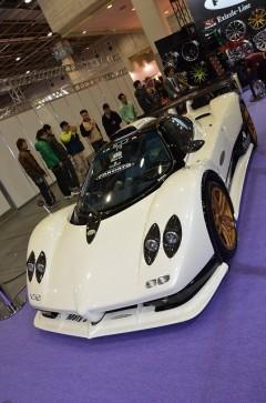 まるでレーシングカー!公道を走れるゾンダは日本に1台!(FORGIATOブース)【大阪オートメッセ2012】