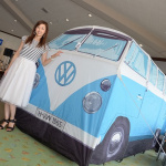 フォルクスワーゲン・タイプ2の実物大テントも吉田由美さんもイケてます!【進もう、東日本!チャリティイベント】